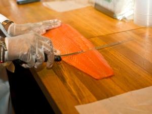 Slicing-Smoked-Salmon